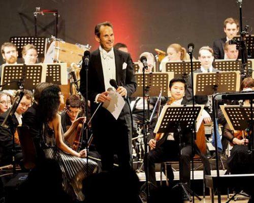 Neujahrskonzert-sven-gnass-und-orchester